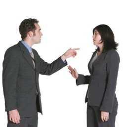 Что делать если сотрудник на работе настраивает всех против меня
